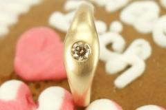Verlobungsring 750 Rosegold mit braunem Brillant