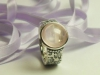 geprägter Ring aus Silber mit Rosenquarz